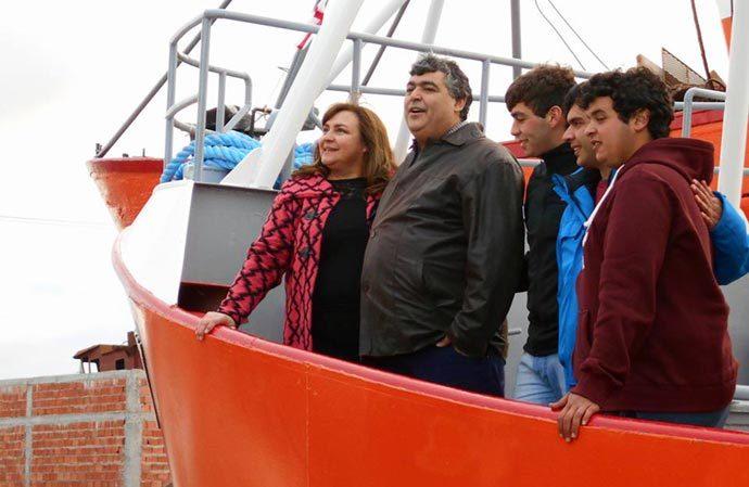 Revista Puerto - Botadura del pesquero Betty 00