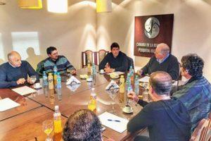 Revista Puerto - Diputado Castello con empresarios