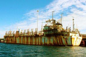 Revista Puerto - Potero chino abandonado en Madryn 00