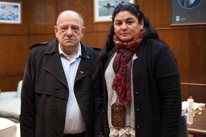 El intendente Carlos Arroyo y Cristina Ledesma del SOIP.