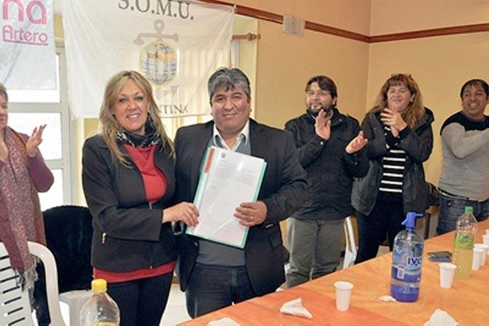En 2015 Soto recibió los terrenos; pero el SOMU no los pagó.