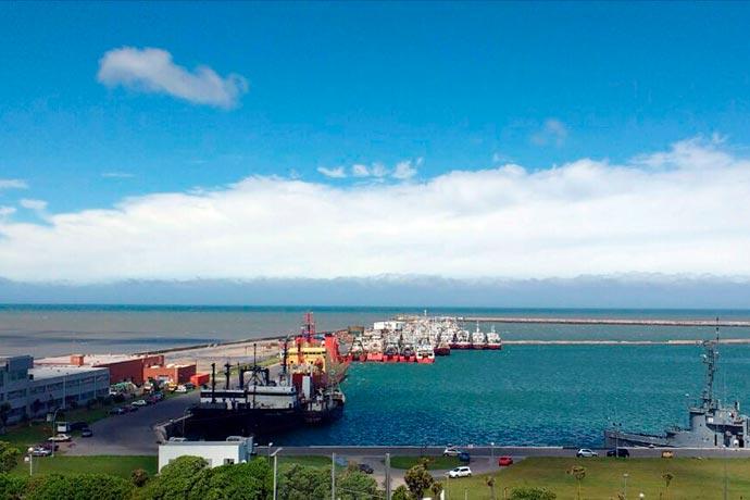 Revista Puerto - Muelles Base Naval 01
