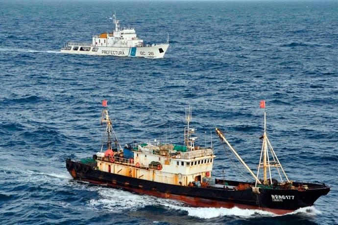 Revista Puerto - Pesca ilegal en el Mar Argentino