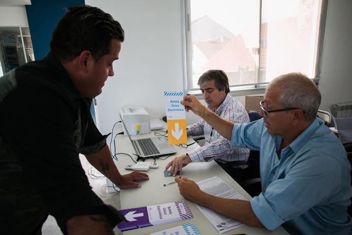 Revista Puerto - Elecciones SOMU 01
