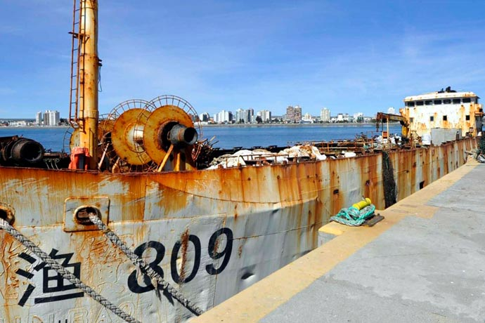 Revista Puerto - Potero chino abandonado 01