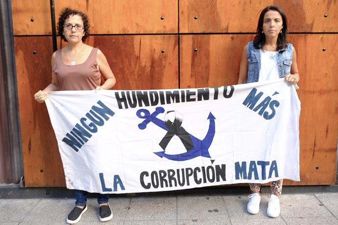 Revista Puerto - Repunte - Gabriela y Romina Sanchez 01