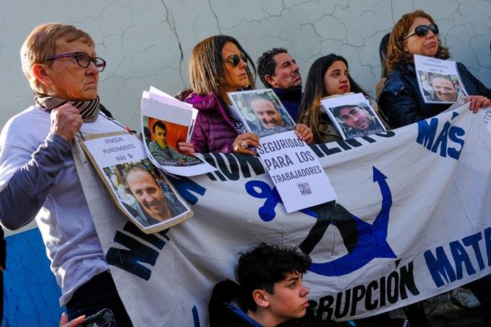 Revista Puerto - Diputados de la Comision de Intereses Maritimos en Mar del Plata 09