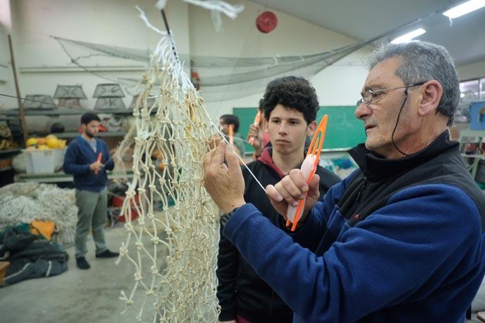 Revista Puerto - Escuela Nacional de Pesca - Rederos 07