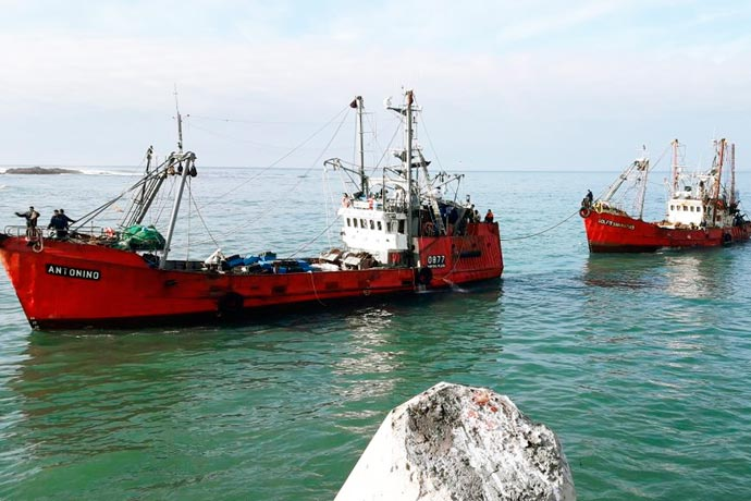 Revista Puerto - BP Golfo San Matias remolcado por el BP Antonino