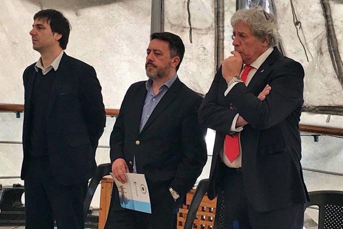 Revista Puerto - Acto en la Fragata Sarmiento por el Dia de la Industria Naval