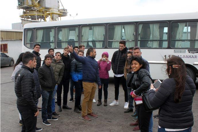 Revista Puerto - Encuentro de ingenieros portuarios 02