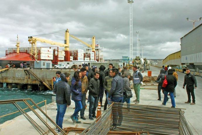 Revista Puerto - Encuentro de ingenieros portuarios 03