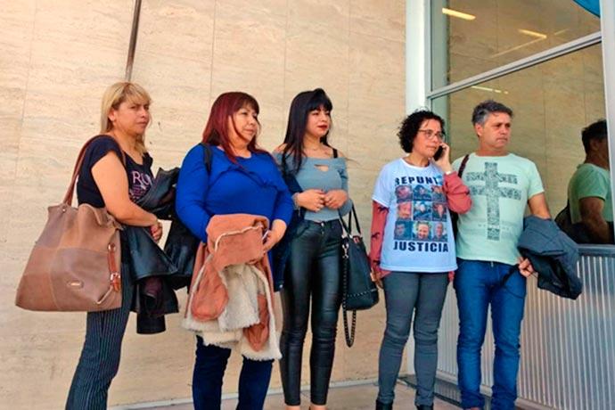 Revista Puerto - Familiares de las victimas del Repunte