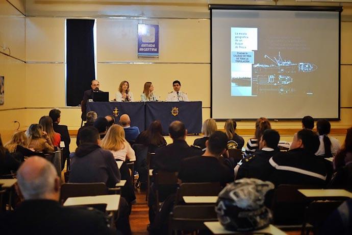 Revista Puerto - Jornadas sobre calidad de vida a bordo 01