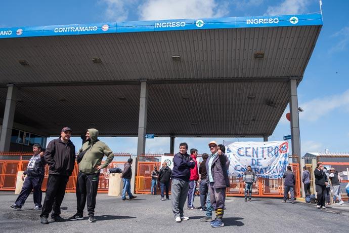 Revista Puerto - Bloqueo de eventuales a terminales 2 y 3 - 01