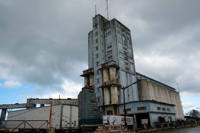 Terminal pública con operador privado para el predio de los silos