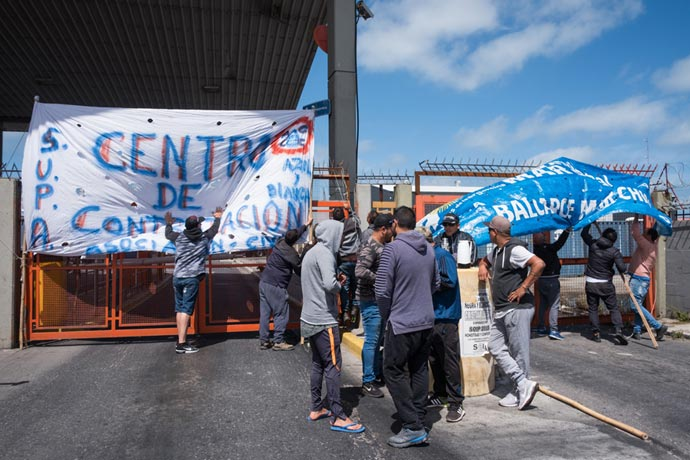 Revista Puerto - Protesta eventuales de la estiba MdP 04
