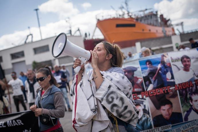 Revista Puerto - 9 meses del naufracio del Rigel 03