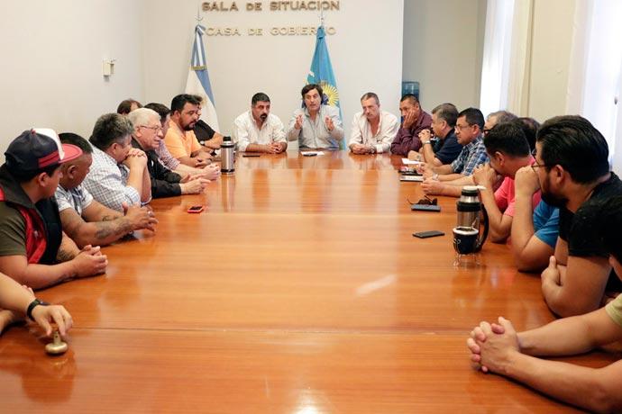Revista Puerto - Reunion por merluza en Rawson
