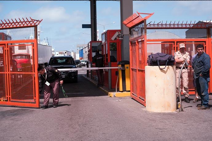 Revista Puerto - Servicio de vigilancia del puerto MdP 01