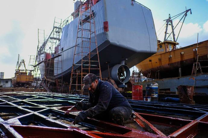 Revista Puerto - Industria naval 01