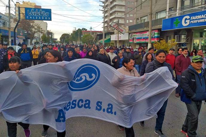 Revista Puerto - Marcha a Tribunales de trabajadores de la ex Alpesca 01