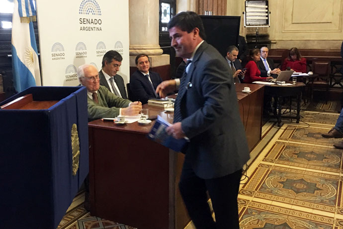 Revista Puerto - Renovacion de flota - Reunion en el Senado 10