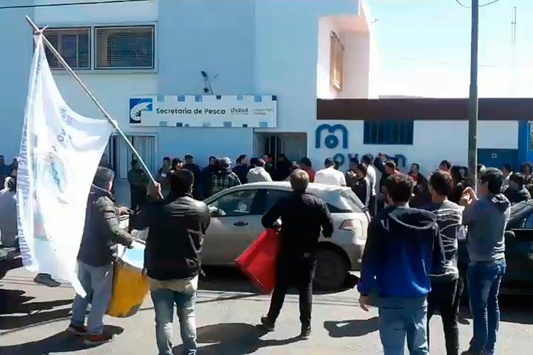 Siguen sin cobrar los empleados de Pesca de Chubut