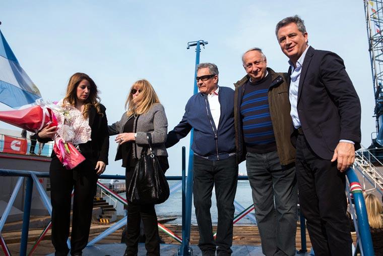 Revista Puerto - Botadura del BP Padrino en Astillero Contessi - 15