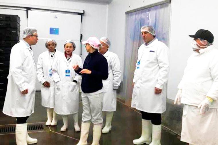 Revista Puerto - Empresarios chinos en Greciamar - 02