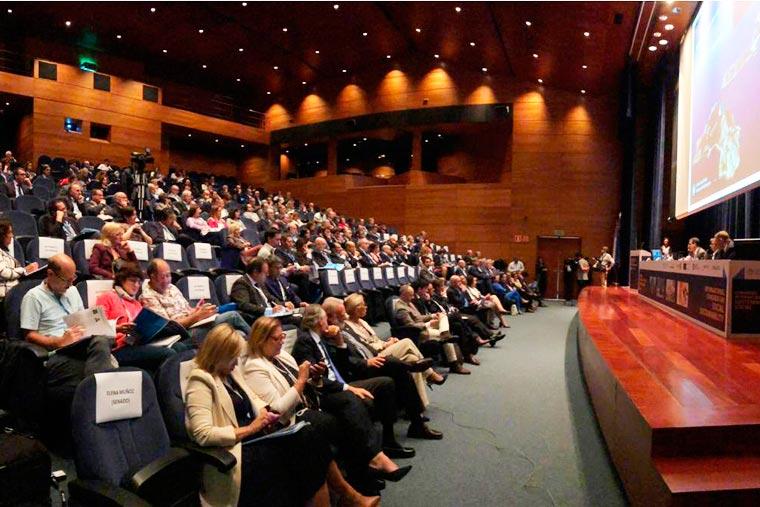 Revista Puerto - Congreso de la FAP en Vigo - 02