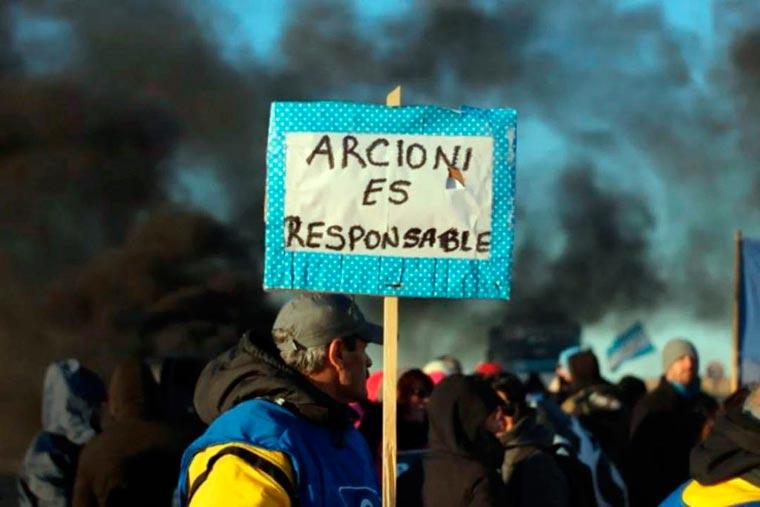 Revista Puerto - Cortes y protestas de estatales en Chubut - 02