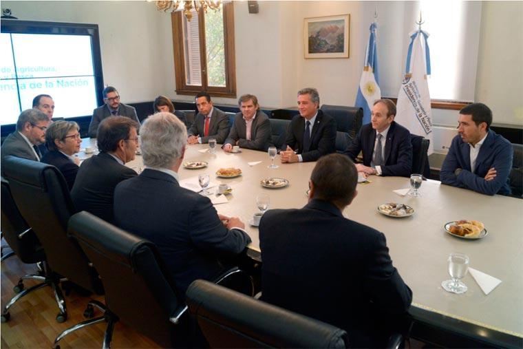 Revista Puerto - Presidente de la Xunta de Galicia en Argentina - 02