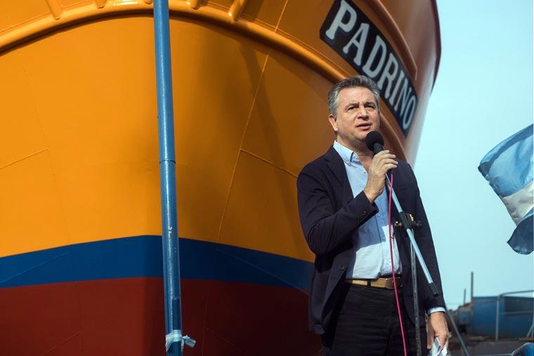Revista Puerto - Industria Naval - Ministro Miguel Etchevehere