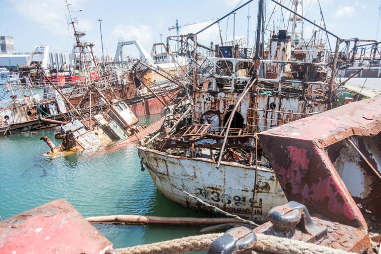 Revista Puerto - Barcos para desguace en el puerto de Mar del Plata - 02