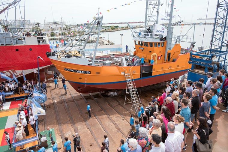 Revista Puerto - Botadura del costero Nuevo Quequen en Astillero Contessi - 12