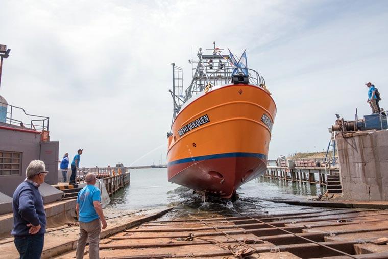 Revista Puerto - Botadura del costero Nuevo Quequen en Astillero Contessi - 18