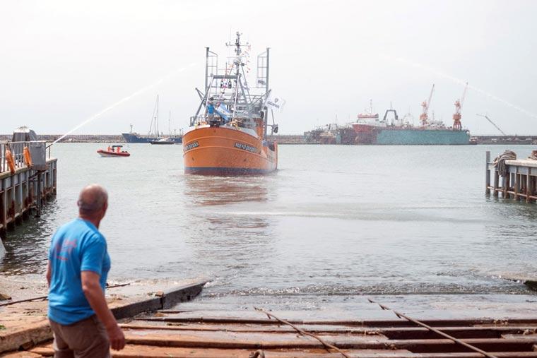 Revista Puerto - Botadura del costero Nuevo Quequen en Astillero Contessi - 20