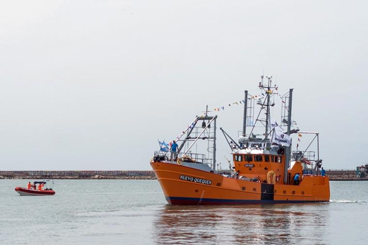 Revista Puerto - Botadura del costero Nuevo Quequen en Astillero Contessi - 21