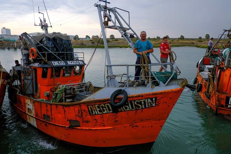 Revista Puerto - Pesca en Puerto Rawson - 02