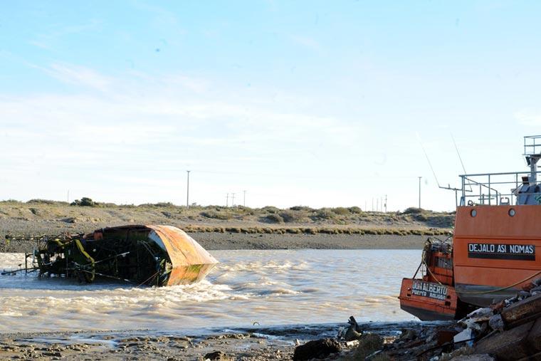 Revista Puerto - Barcos hundidos en Chubut - 02