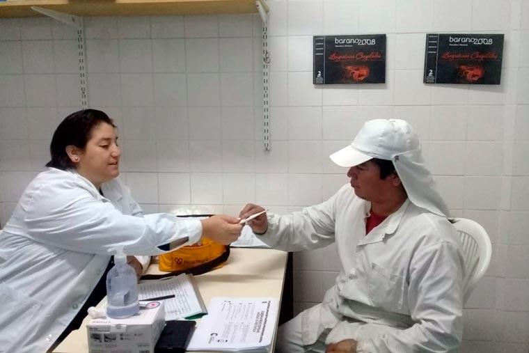Revista Puerto - Control medico a trabajadores del pescado - Planta Varano 2008 - 02