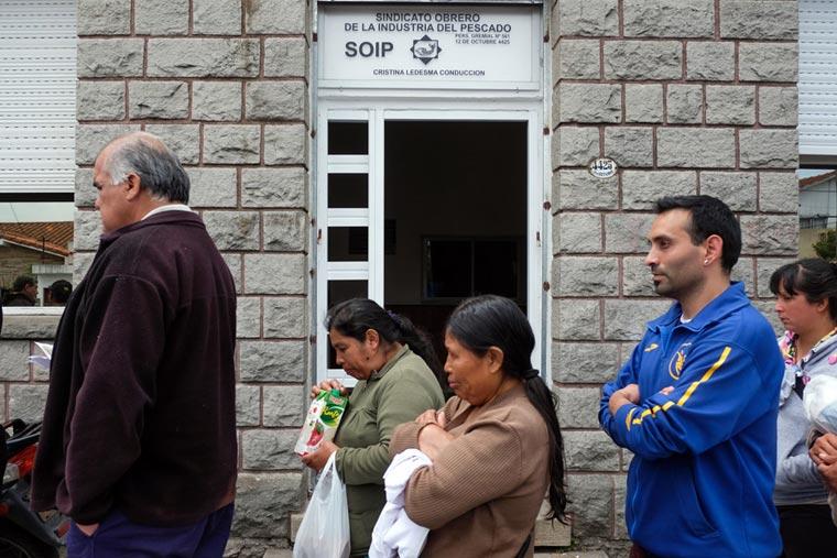 Trabajadores informales recibirán un bono de diez mil pesos