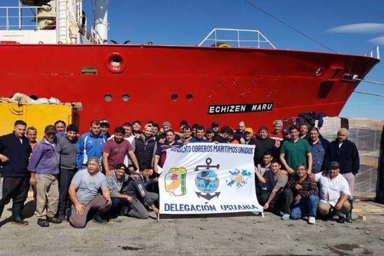 Revista Puerto - Tripulantes del BP Echizen Maru - 02
