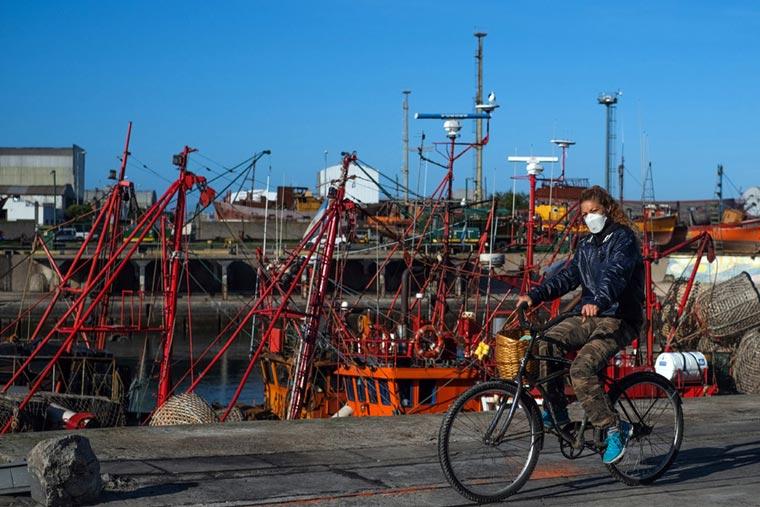 Revista Puerto - Mar del Plata - Banquina de pescadores - 02