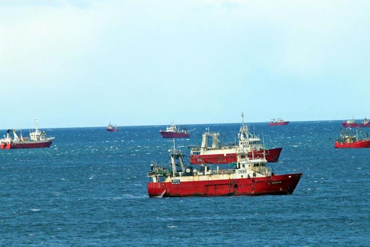 Cientos de marineros terminan la temporada sin hacer relevos