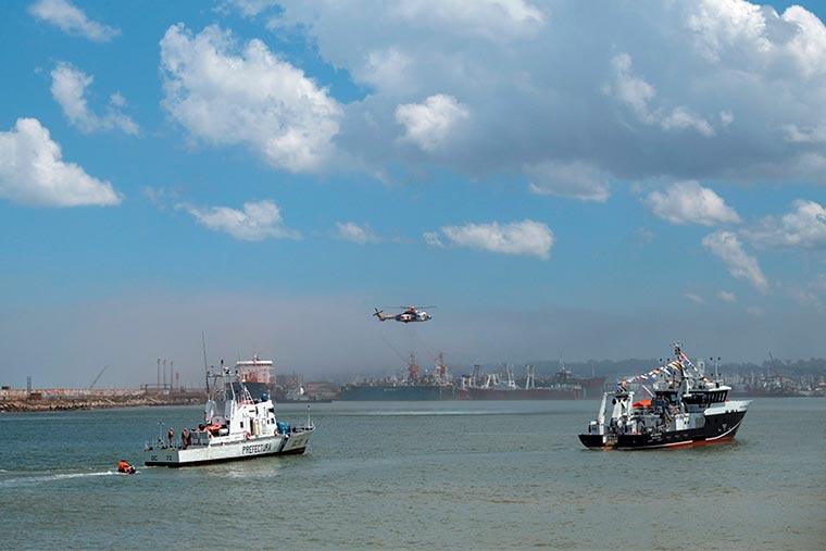 Revista Puerto - INIDEP - Llegada a Mar del Plata del BIP Mar Argentino - 02