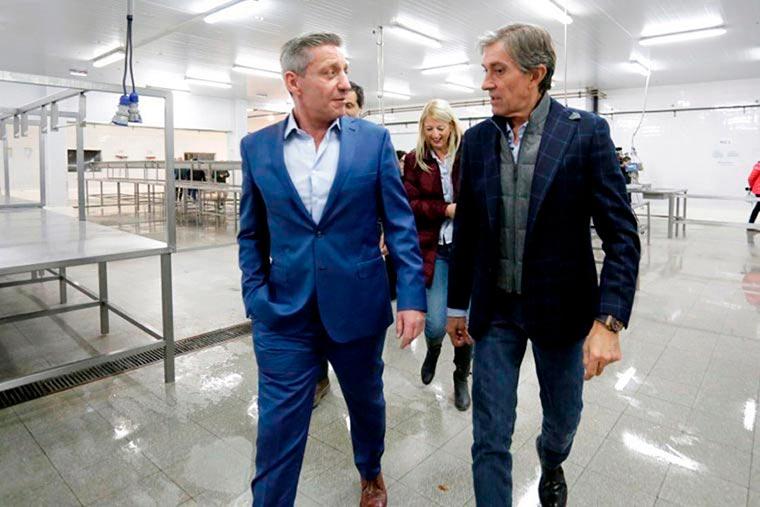 Revista Puerto - Chubut - Gobernador Mariano Arcioni con Fernando Alvarez Castellano de Conarpesa