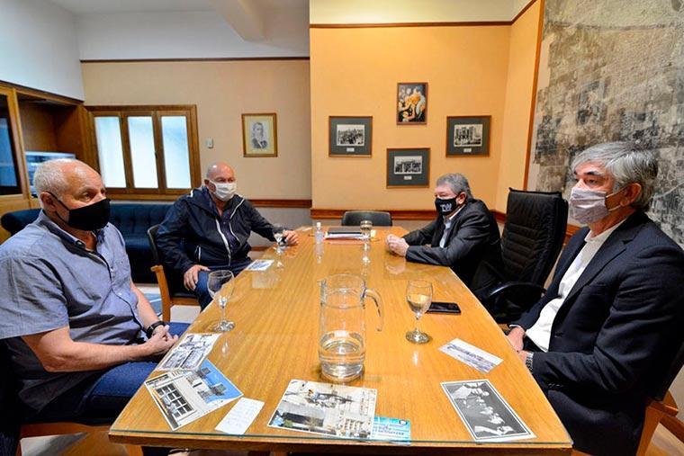 Revista Puerto - Cicciotti y Di Costanzo en Trelew con Yauhar y Schvemmer