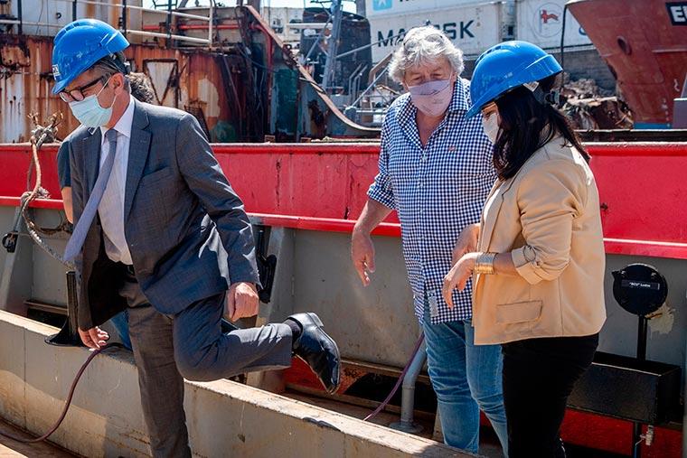 Revista Puerto - Mar del Plata - Funcionarios de Industria visitan astilleros - 03